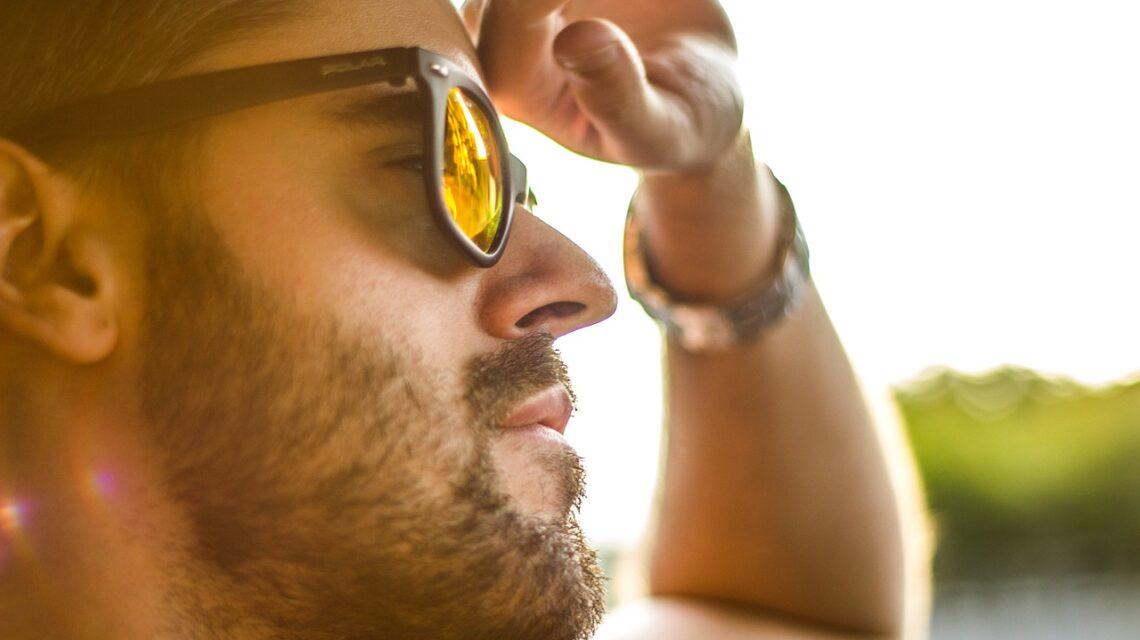 Na co zwrócić uwagę przy wyborze okularów przeciwsłonecznych