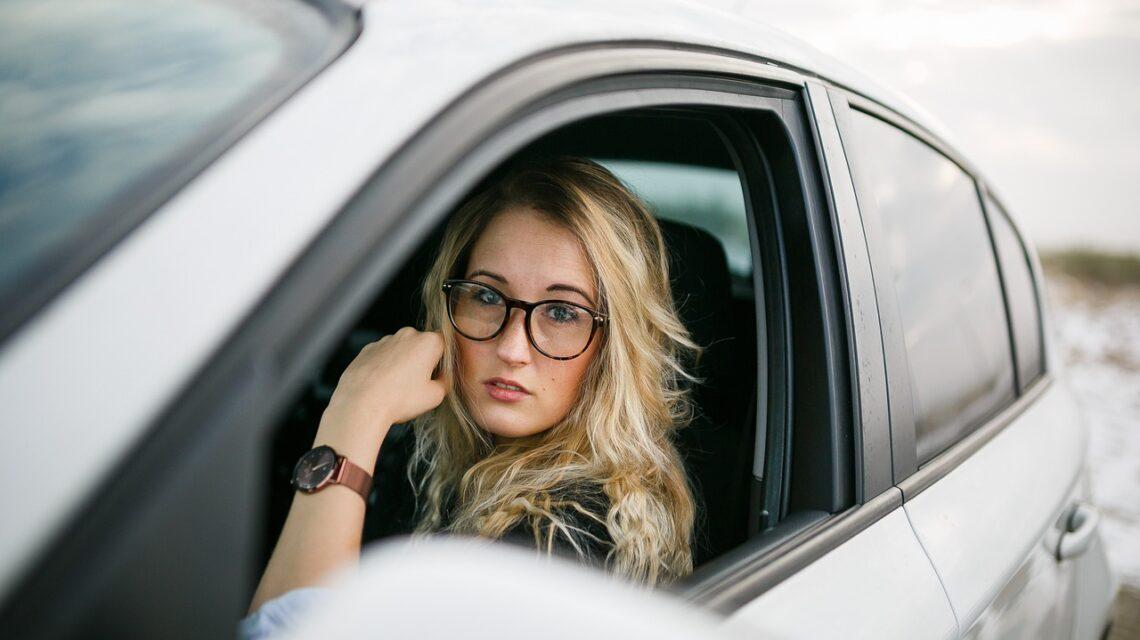 Na co zwrócić uwagę przy zakupie okularów dla kierowców
